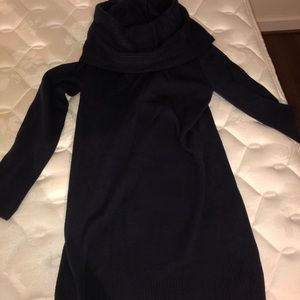 WORN ONCE. CHIC SWEATER DRESS